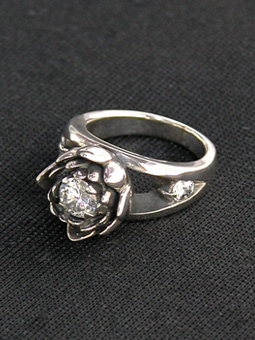 MAGICAL DESIGN / LAKSHMI RING (CLEAR)