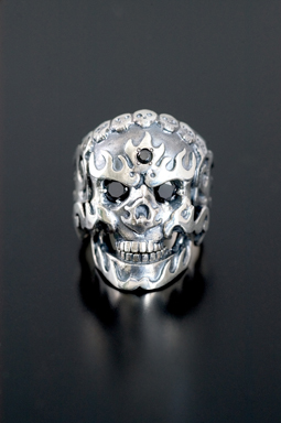 MAGICAL DESIGN / FLAMING MONK SKULL RING(ブラック)