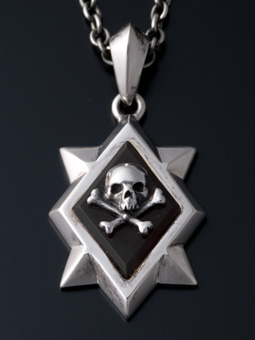 MAGICAL DESIGN / ONYX SKULL PENDANT (BK)