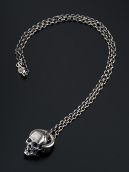 MAGICAL DESIGN / HOOP SKULL NECKLACE