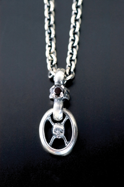 MAGICAL DESIGN / PIRATE LINK PENDANT (SIL/BK)