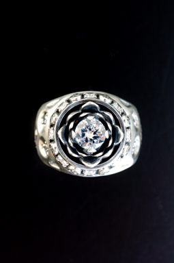 MAGICAL DESIGN / LOTUS RING (CLEAR)