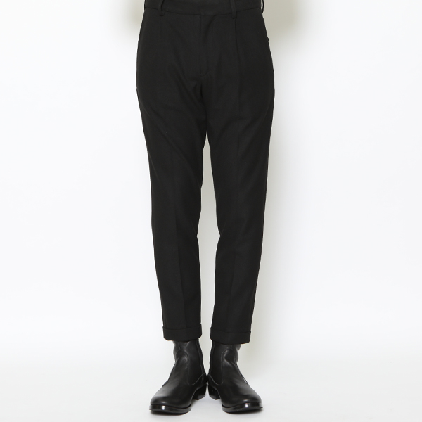 RG / EMBROIDERED TUCK TROUSERS (BK)