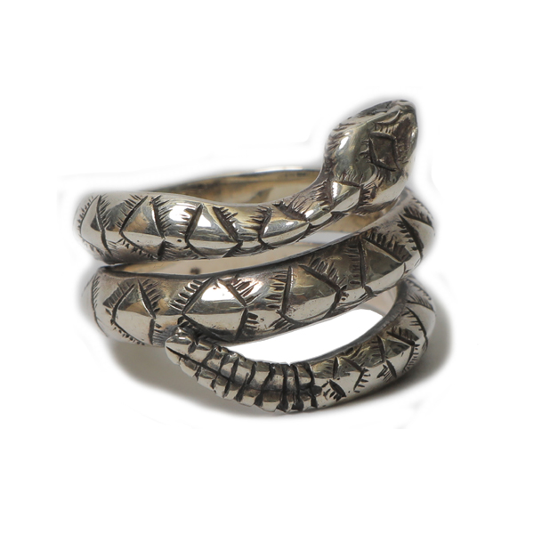RG BLACK REBEL / RATTLE SNAKE RING