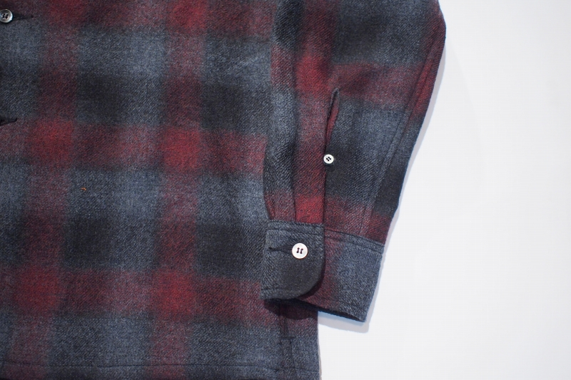 LOST CONTROL / Open Collar Check SH (BK/RED)