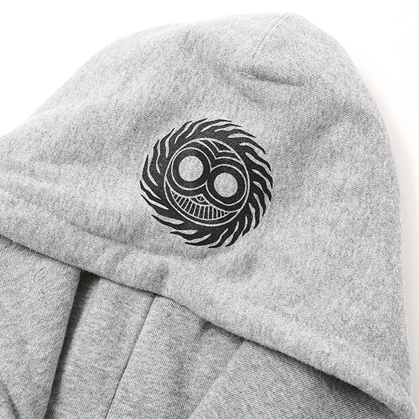 MAGICAL DESIGN / PIRATES-SKULL HOOD SW (GRY)